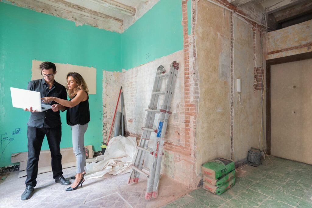 Med Henrik och Laura från OneLiving är din renovering i goda händer